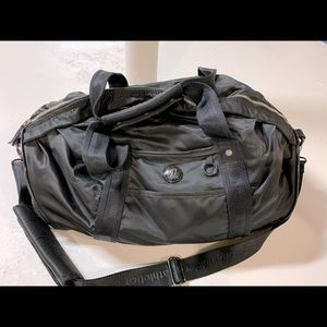 Vintage Lululemon duffel bag/gym bag